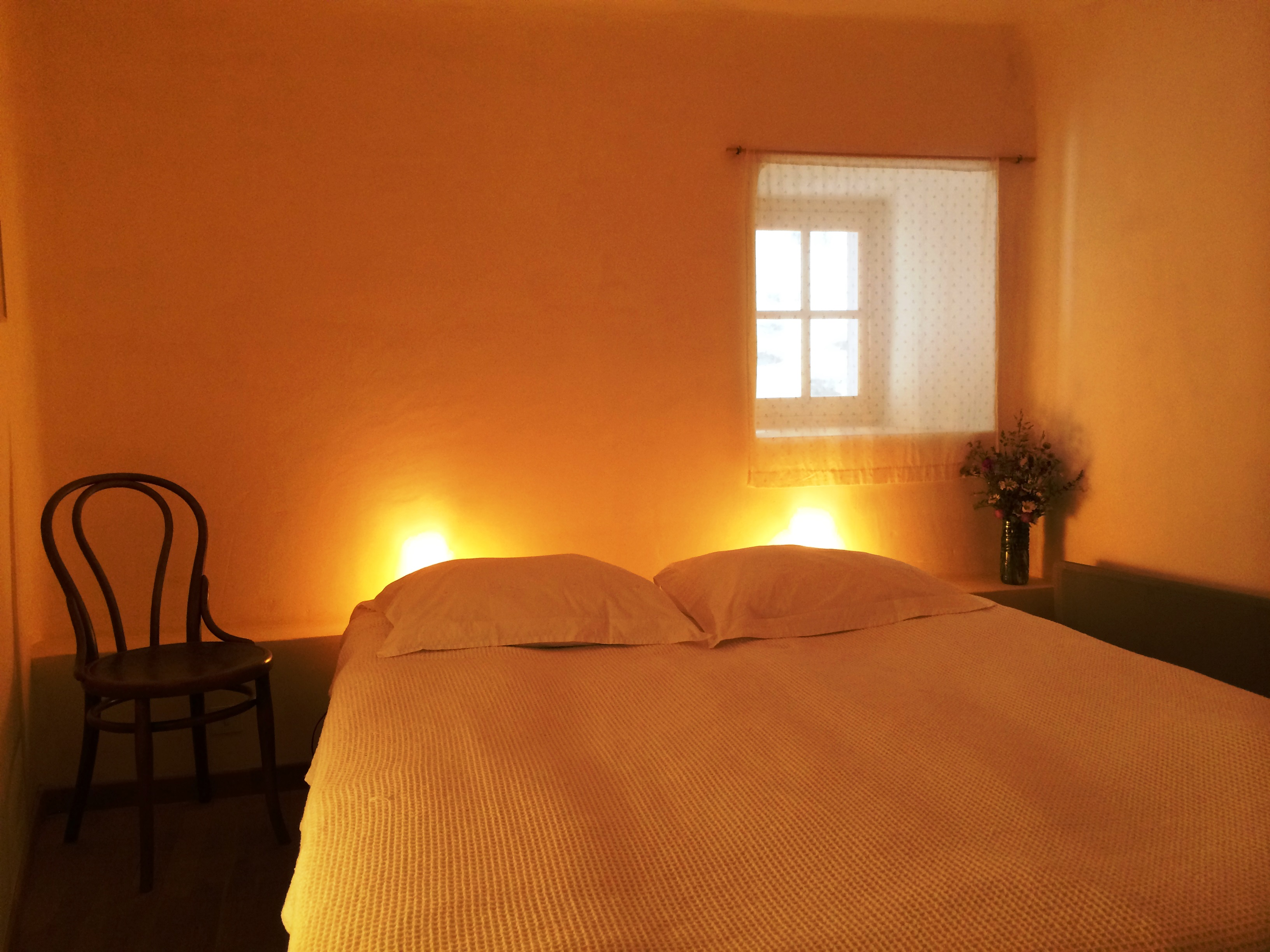 Slaapkamer, 2 bedden van 210 x 80 cm